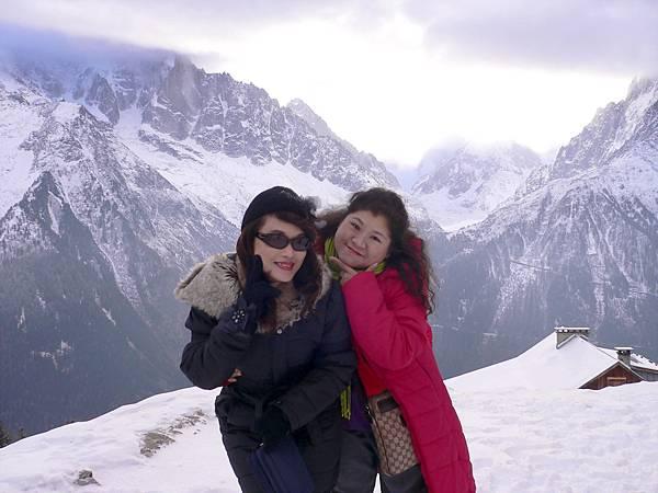 白朗峰Mont Blanc是阿爾卑斯山最高峰,海拔約4,810 公尺