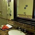 房内裝潢設備-浴室