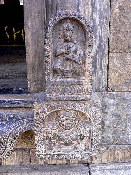 尼泊爾之旅 100-帕蘇帕提那寺外舍利塔