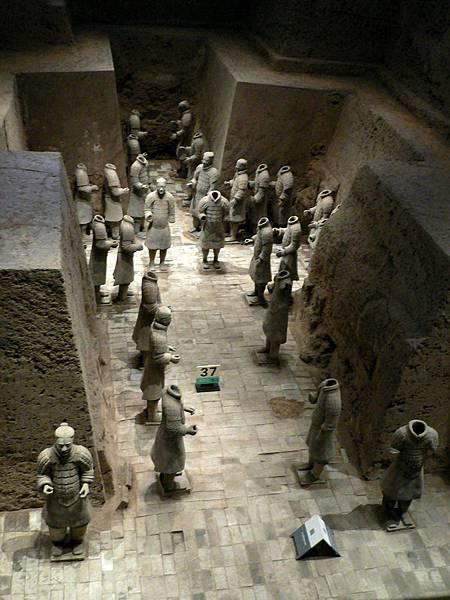 陝西省.西安市-秦始皇兵馬俑博物館(三號坑正式對外開放於1994年9月)39-16.jpg