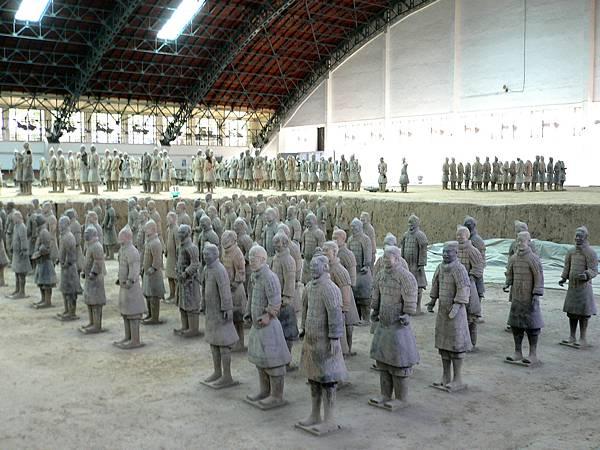 陝西省.西安市-秦始皇兵馬俑博物館(首先開放一號坑於1979年10月1日)39-13.jpg