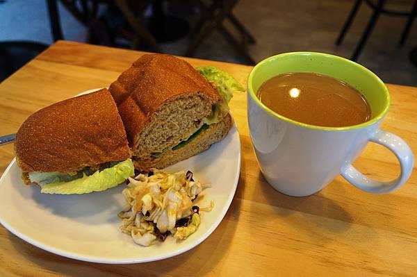 台北美食推薦-現做素食【Ooh Cha Cha】裸食風格咖啡館<古亭捷運站>