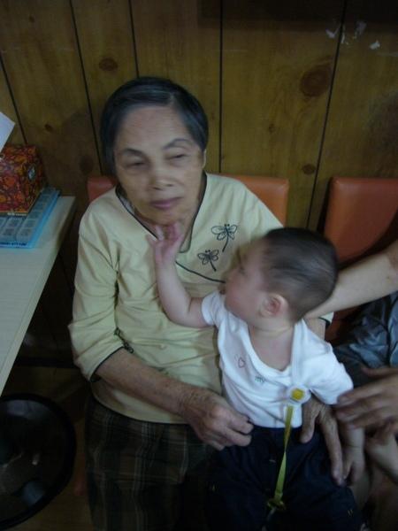小寶w外婆