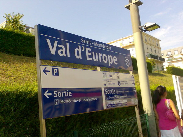 the RER A station