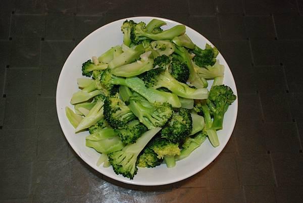 炒綠花椰菜1.JPG