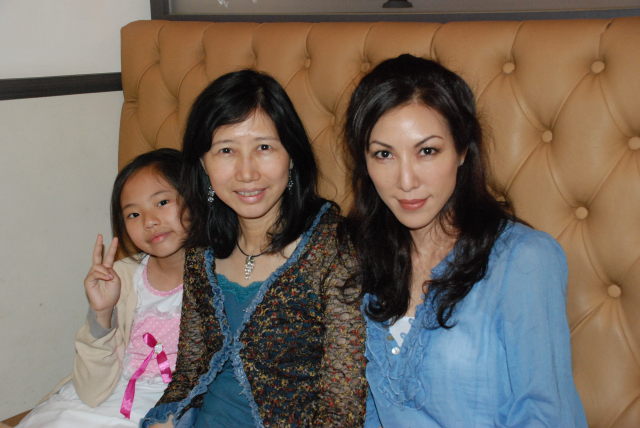 家人與MaggieLiu1.JPG