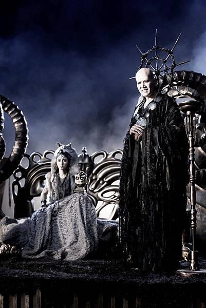《轉生術》劇照_20120417_費翔飾演的巫師與天狼國女王