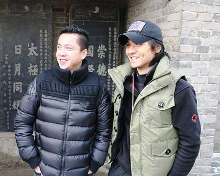華誼兄弟總裁王中磊(左)與導演馮德倫.jpg