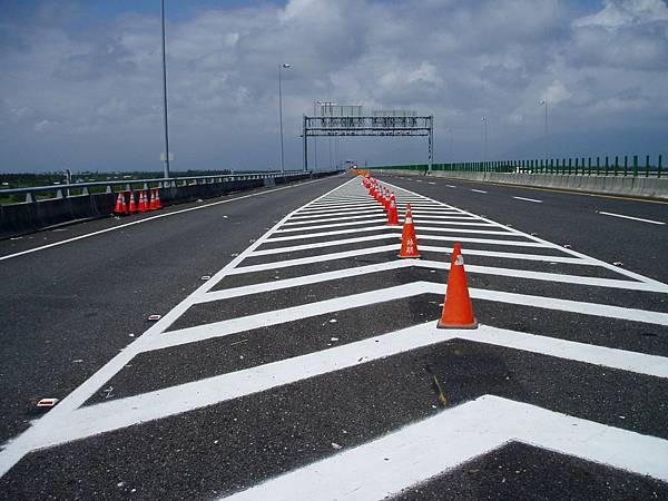 通往林邊的高速公路被封鎖