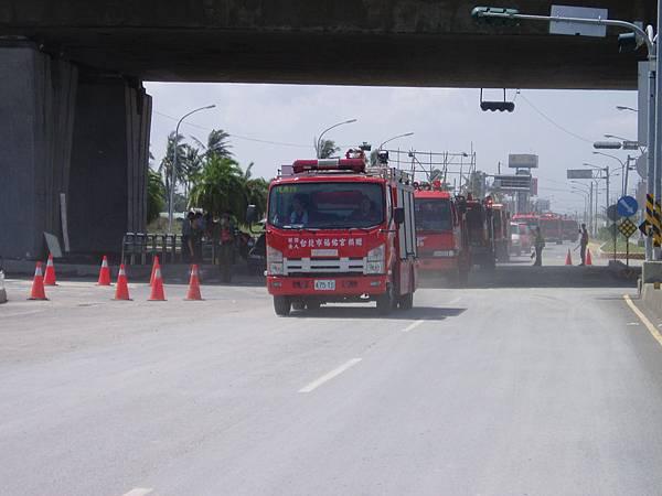 馳援而至的台北市消防車