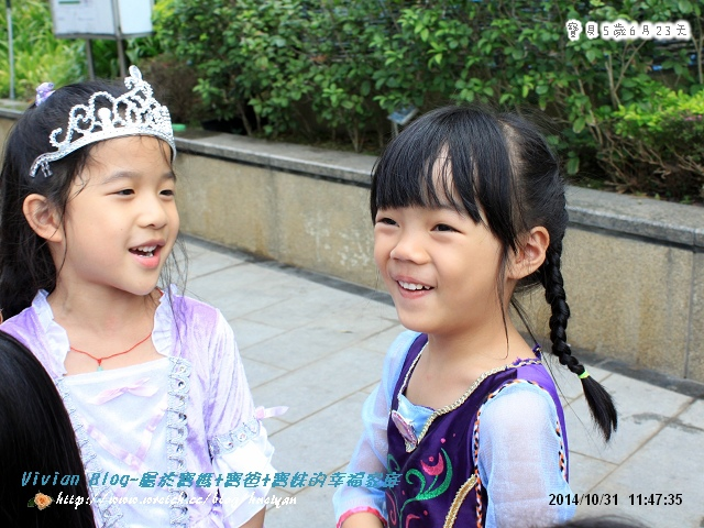 5Y6M-萬聖節討糖成功IMG_659401.jpg