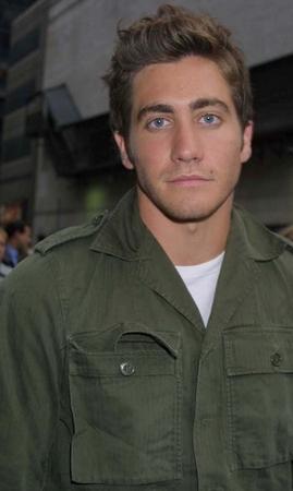 Jake  Gyllenhaal (2).jpg