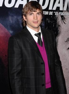 Ashton Kutcher (5).bmp