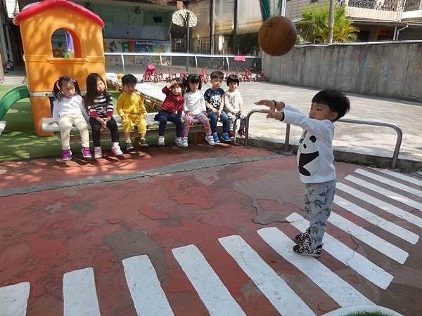 我會玩籃球 (2).JPG