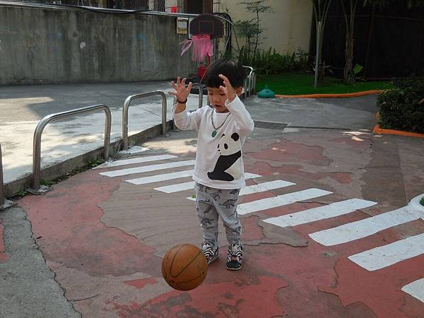我會玩籃球 (1).JPG