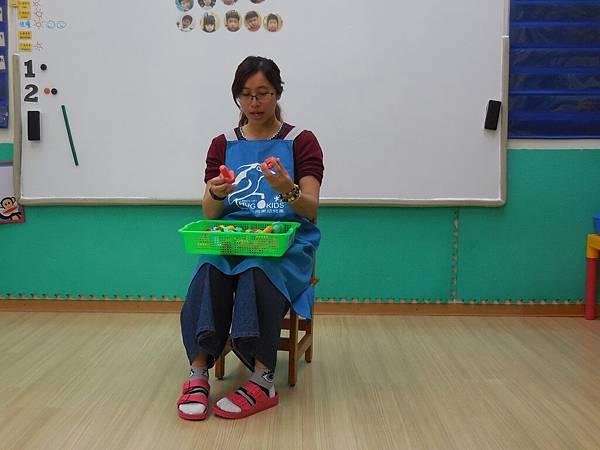教室中不需要電池的玩具 (1).JPG
