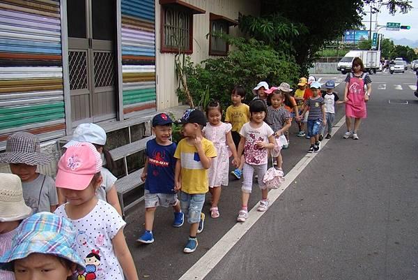 到校園附近走走 (9).JPG