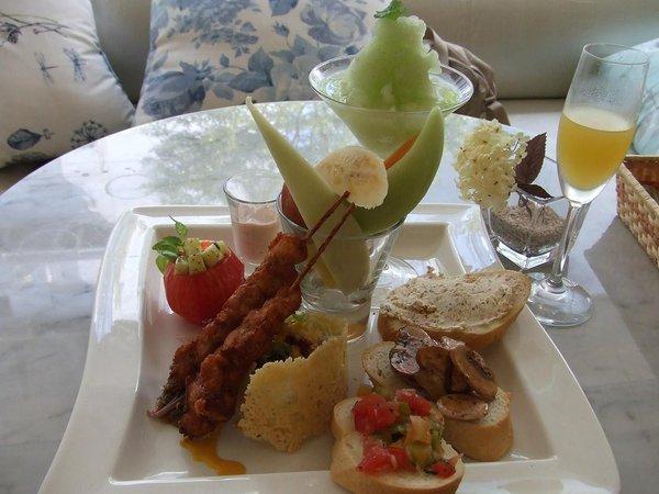 招牌套餐--法式早午餐~夠豐盛吧!!.jpg