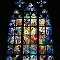 DSC02355聖維特大教堂 St. Vitus Cathedral 與慕夏有關的彩繪玻璃.jpg