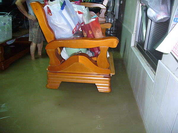 水進來了.JPG