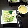 咱們的前餐~沙拉+好喝的湯