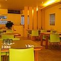 明亮的用餐空間