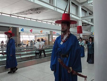 仁川機場的古代韓服遊行