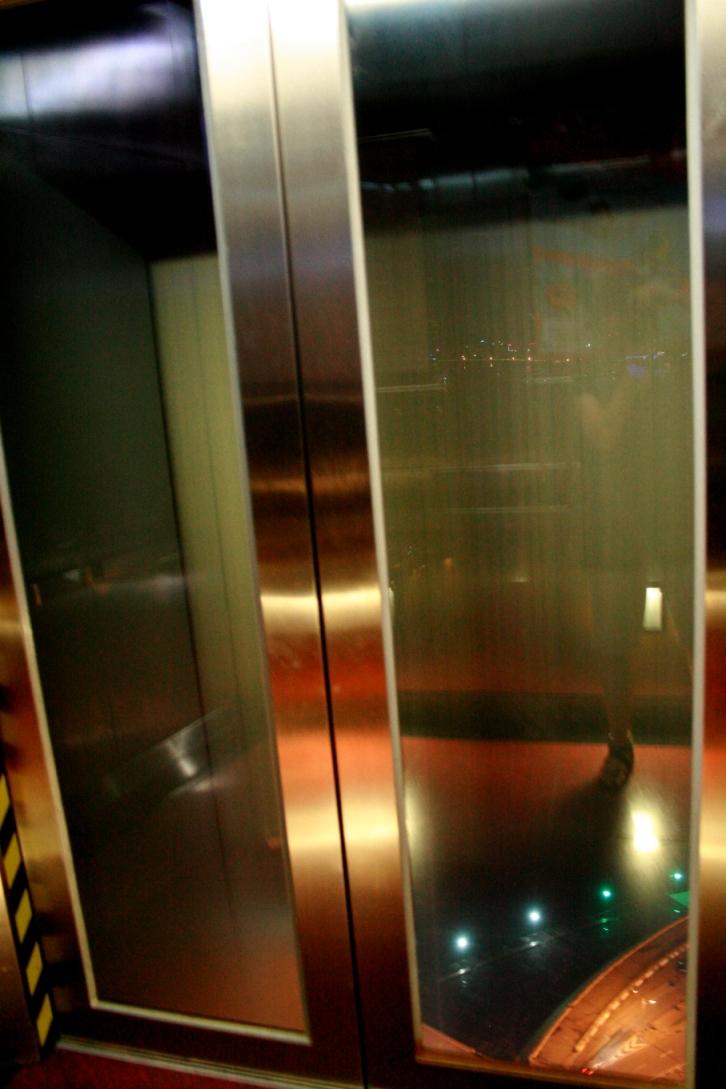 旅遊塔的電梯速度真的有點快