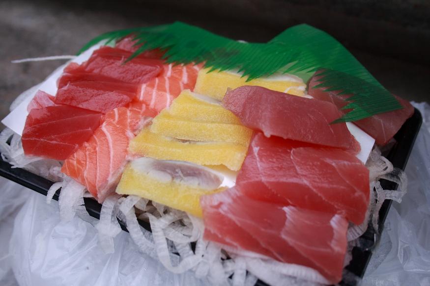 我們的第一餐生魚片