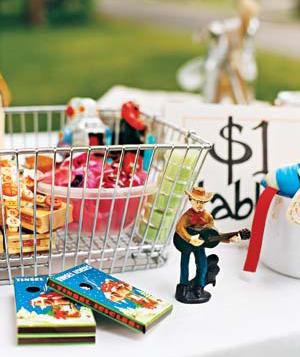 garage-sale-toys_3001.jpg