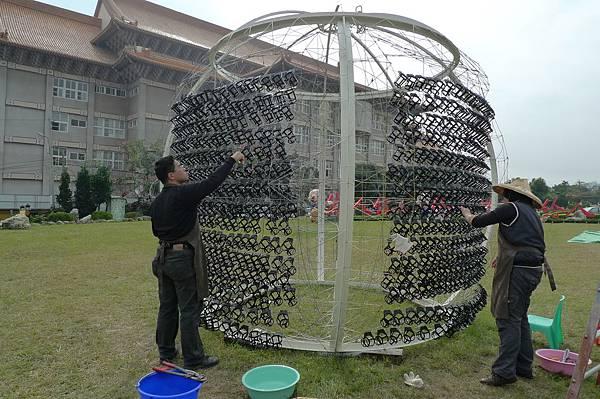 球體吊籃施作.jpg