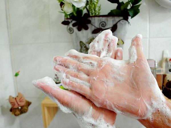 洗手泡泡.jpg
