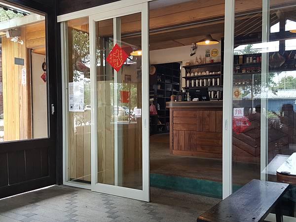 餐廳內部-2.jpg