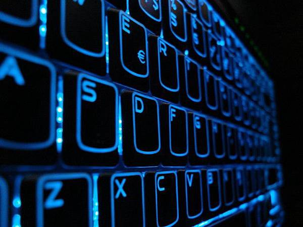 keyboard_in_the_night_by_beliroz-d31h7zt-624x468