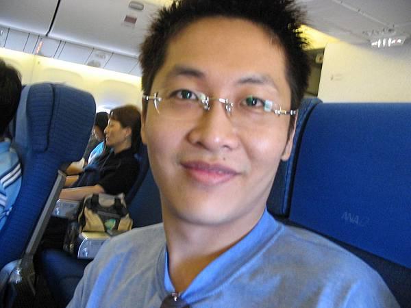 傻蛋在飛機上(2005.9.29)