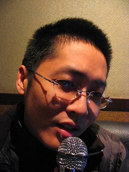 不專業唱歌的傻蛋(2005.12.26)