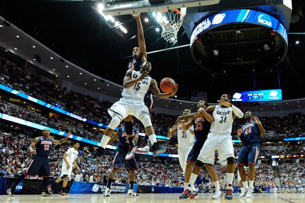 Kemba+Walker+NCAA+Basketball+Tournament+Regionals+30FAhptLIbDl.jpg