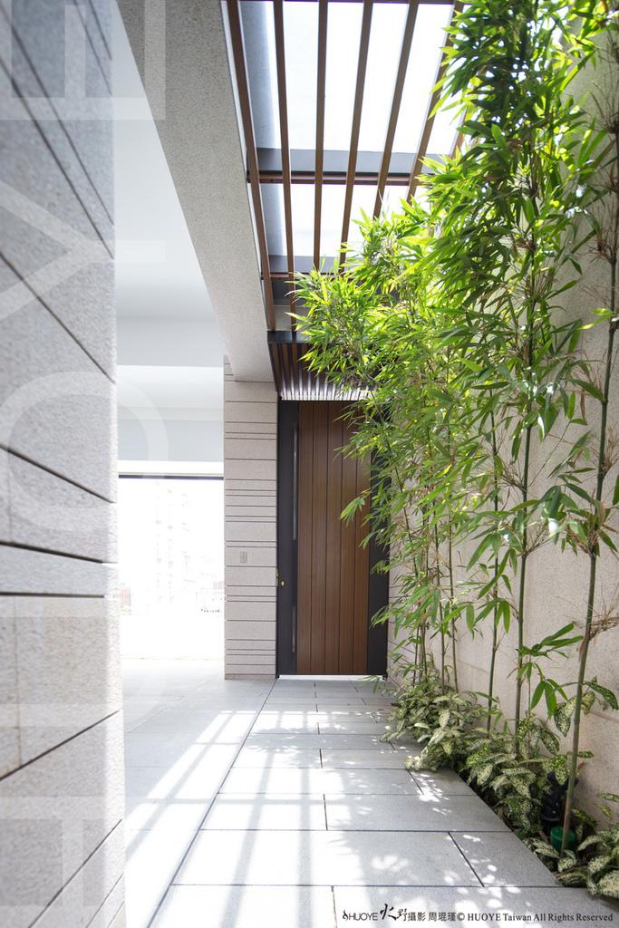 Model House-02.jpg