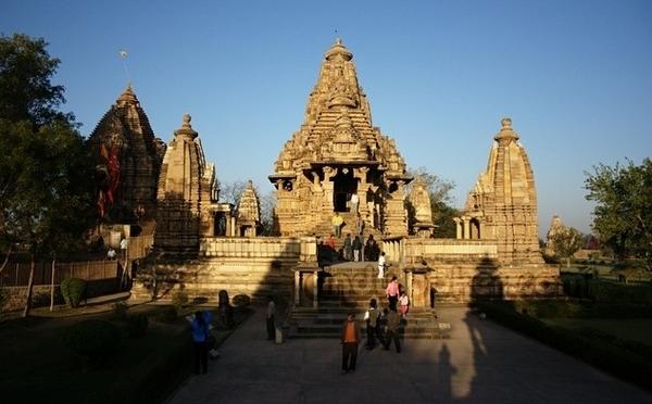 印度卡修拉霍性廟7