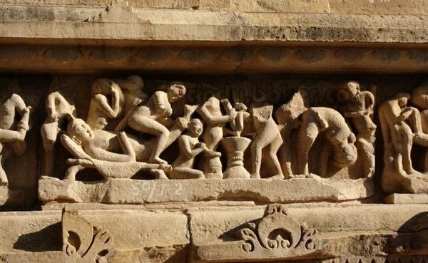 印度卡修拉霍性廟10