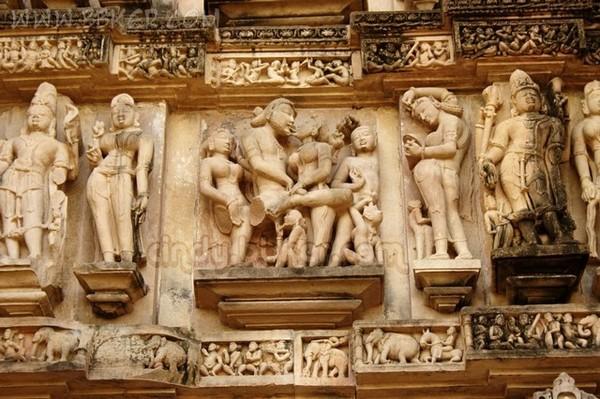 印度卡修拉霍性廟11
