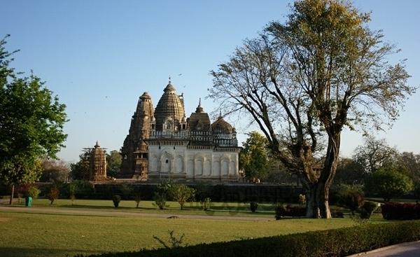 印度卡修拉霍性廟12