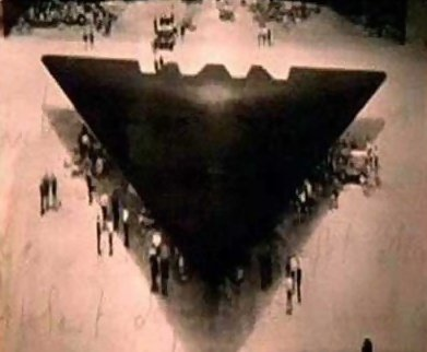 宇宙飛船,加里‧麥金農