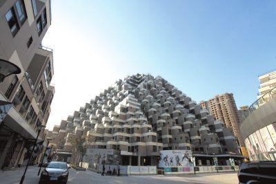 江蘇昆山金字塔