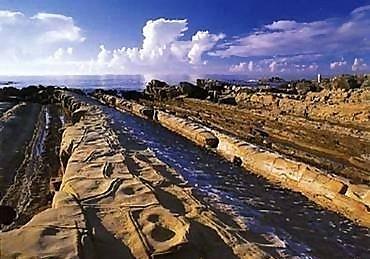 小野柳石梯岩
