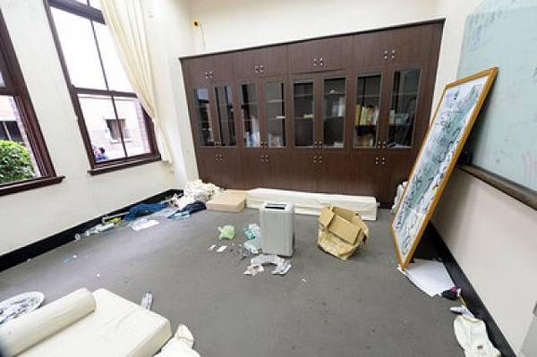 行政院遭破壞
