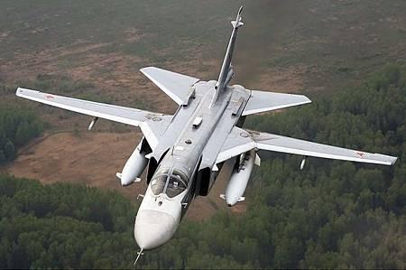 Su-24M戰鬥轟炸機