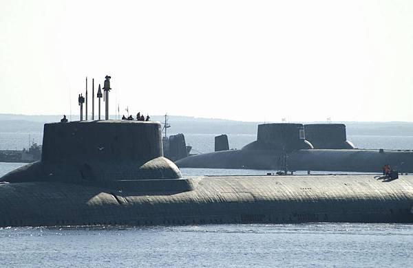 (俄) 颱風級彈道導彈核潛艇