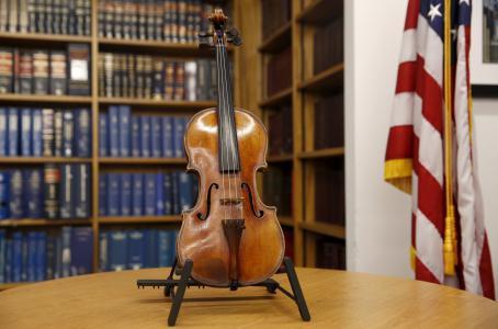 斯特拉迪瓦裏小提琴