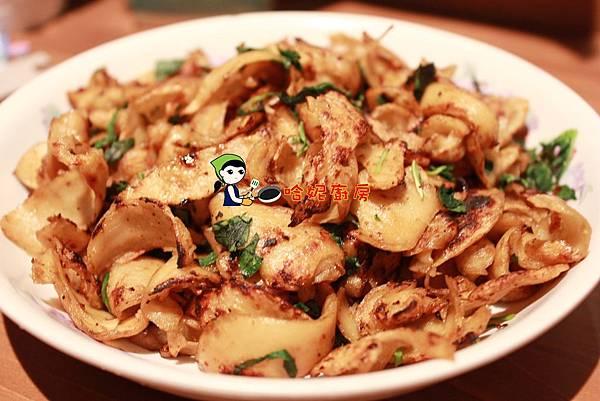 哈士奇居家生活-哈妮素食譜-乾煸麵腸